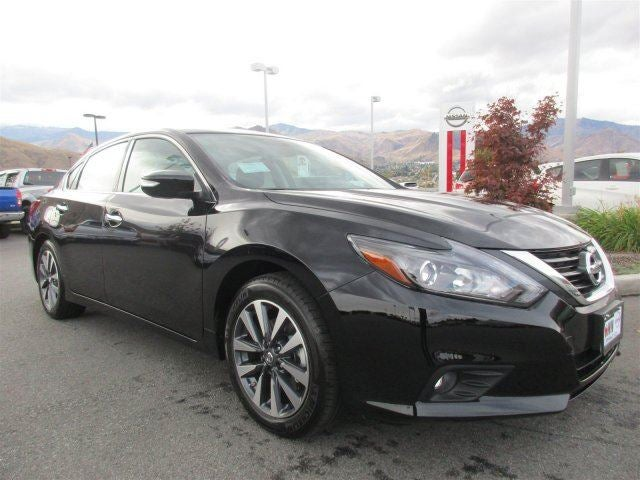 2017 Nissan Altima 25 SLU02 25 TECHNOLOGY PACKAGE -inc NissanConnect Services Powered By Siri