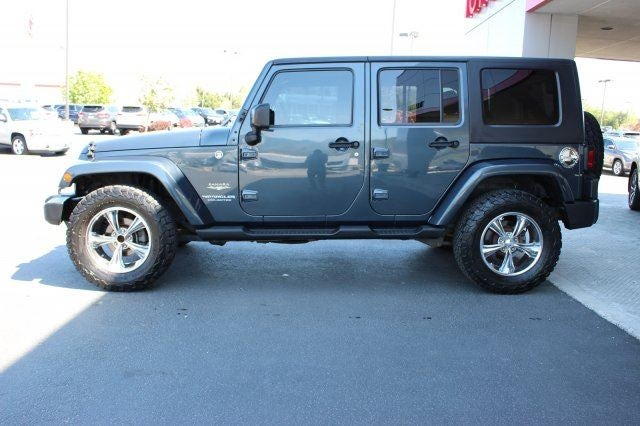2008 Jeep Wrangler Unlimited SaharaAdditional Options  EXTRA COST PAINT  TRAILER TOW GROUP -