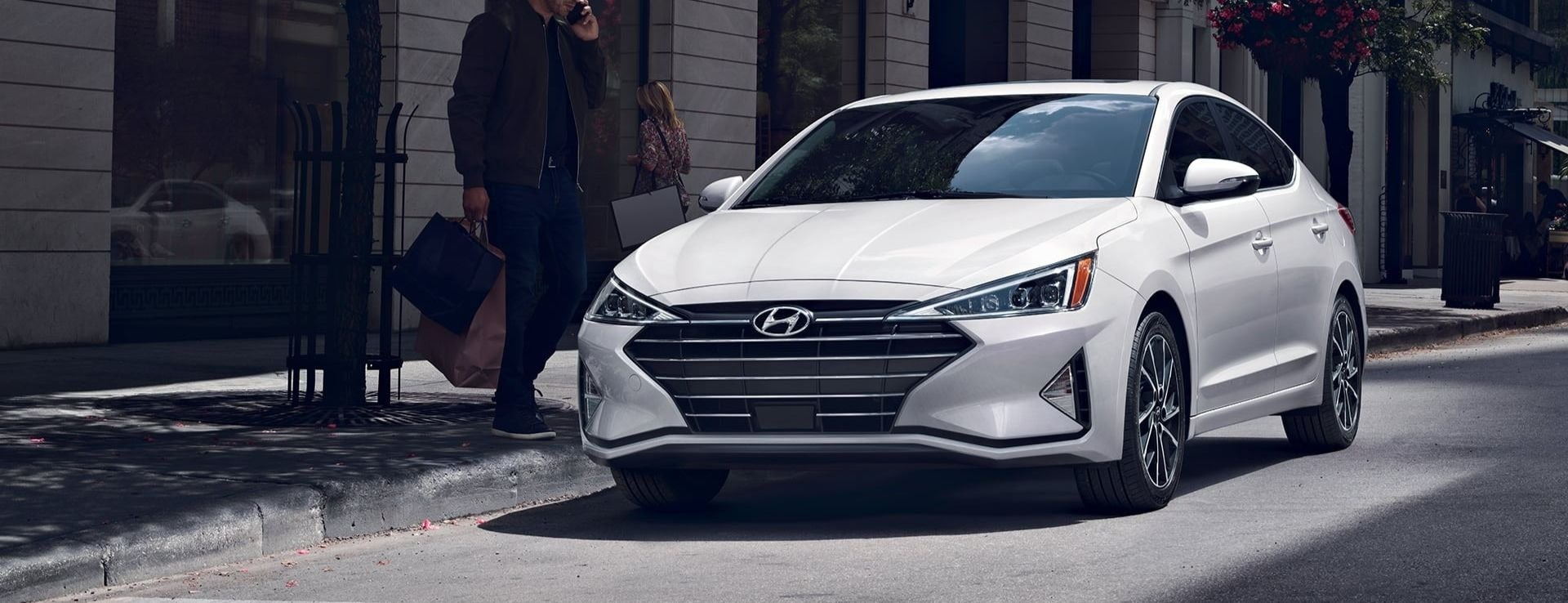 2020 Hyundai Elantra Sedan Wallpaper